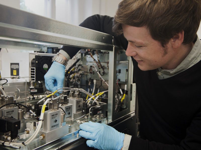 Kevin Pagel with the ion mobility mass spectrometer.
